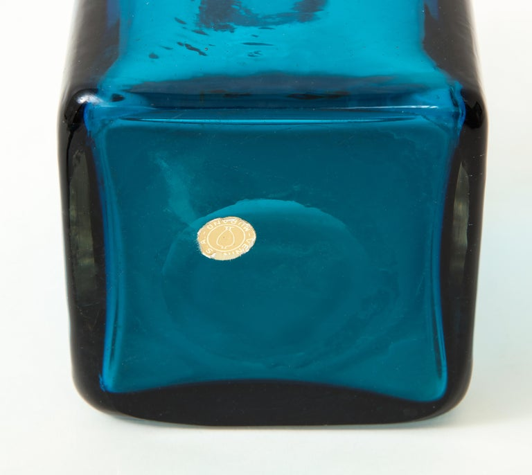 Venini Large Bottle with Stopper In Good Condition For Sale In New York, NY