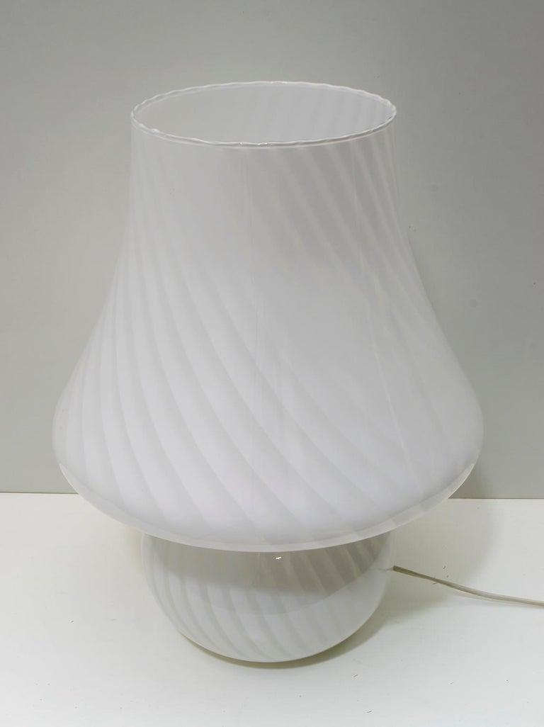 Late 20th Century Venini Mid-Century Modern Italian Murano Glass Table Lamp, 1970s For Sale