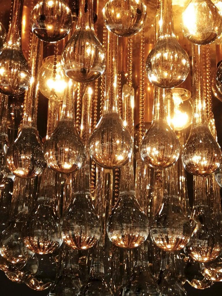 Venini Murano Crystal Drop Waterfall Hollywood Regency 10-Light Gilt Chandelier For Sale 5