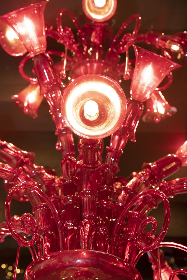 Venini Murano Glass Red Chandelier, Made in Italy, 1940s In Good Condition For Sale In Pambio Noranco, CH