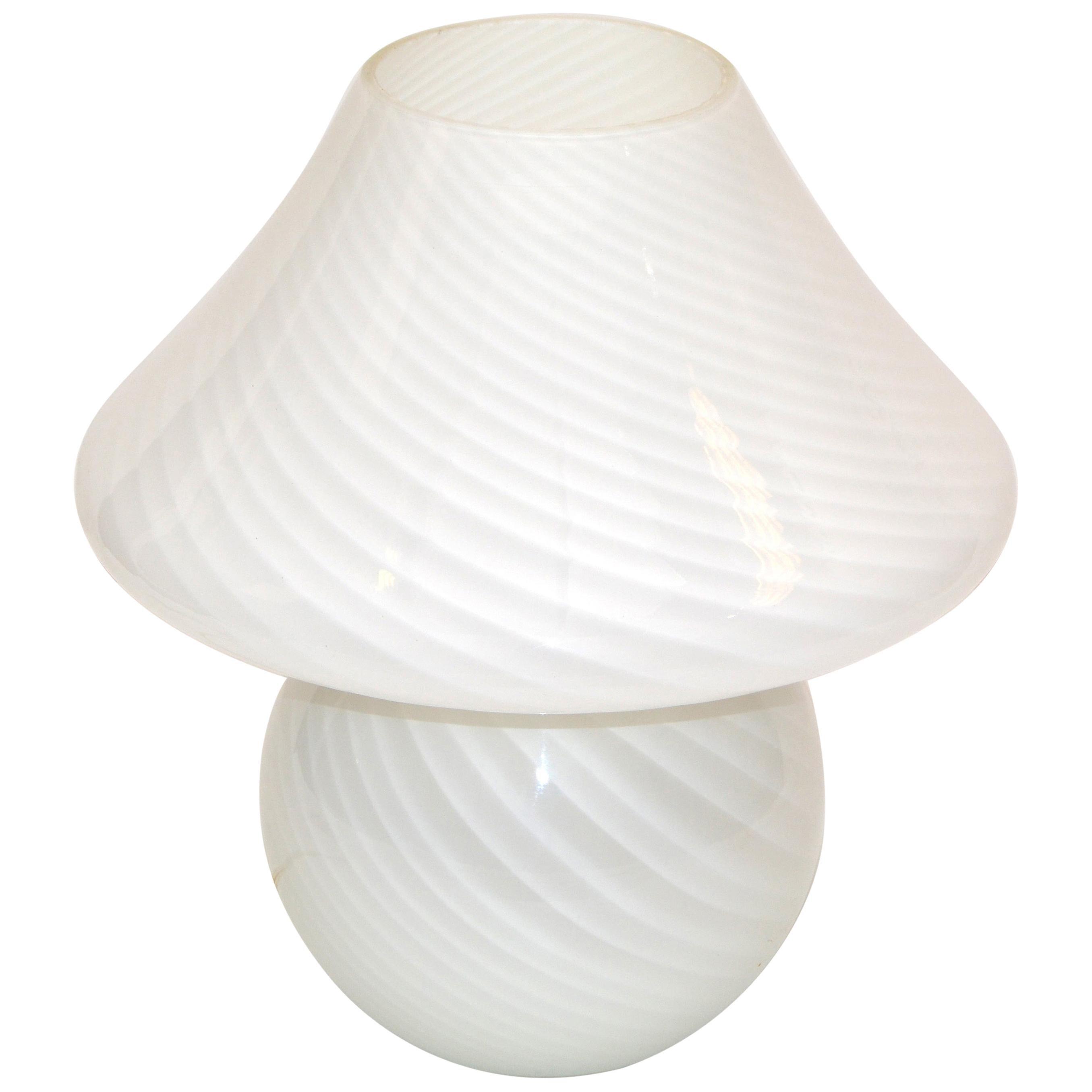Venini Style Mid-Century Modern Blown Murano Glass Mushroom Table Lamp, Italy