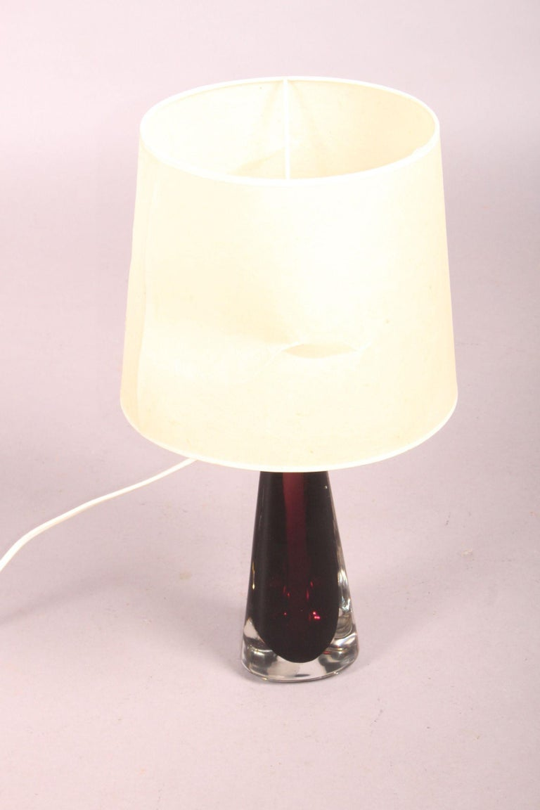 Venini table lamp, the shade must be restaured the metal part is ok, dimension with out shade height 36, diameter 10 cm.
