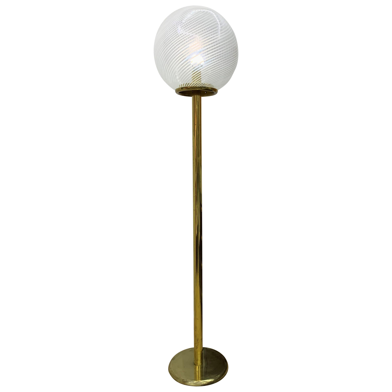 Venini, 'Tessuto' Sphere Floor Lamp in Brass and Murano Glass, Italy, circa 1970