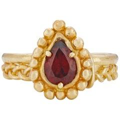 Venus Ring, 18 Karat Yellow Gold with Garnet