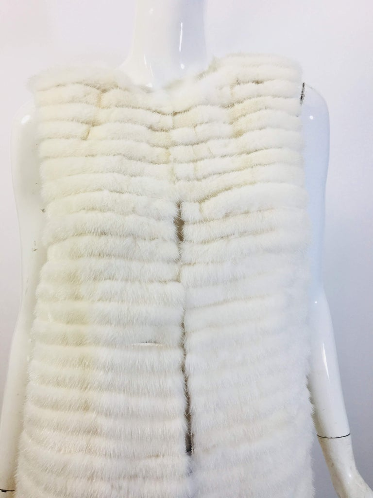 Vera Wang Collection White Open Front Long Line Vest Tiered -Style Knee Length Made in the USA 100% Mink with Silk Sheer Lining Size 2