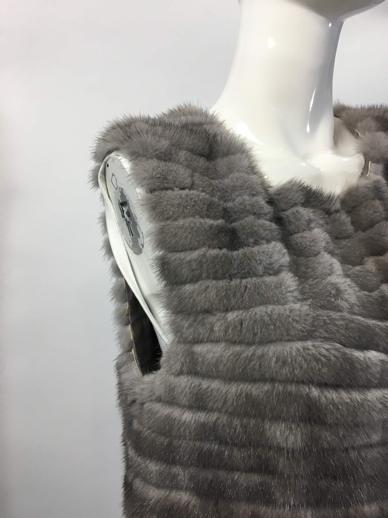Vera Wang Collection Mink Open Front  Vest  In Good Condition In Bridgehampton, NY