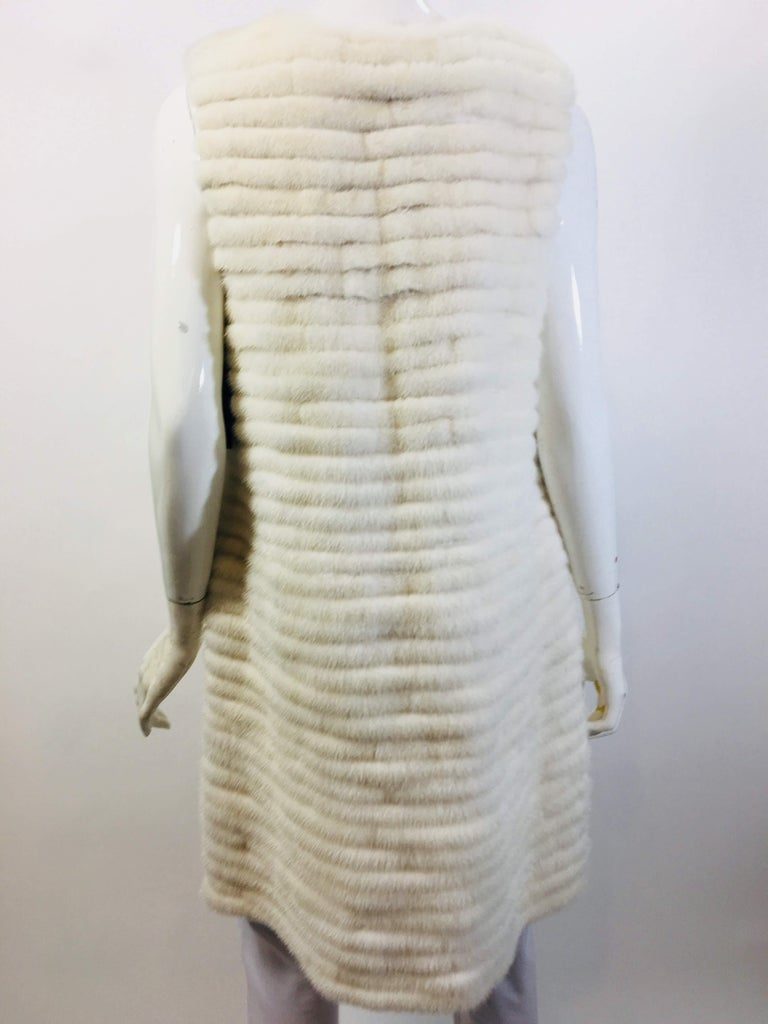 Vera Wang Collection Mink Open Front  Vest In Good Condition For Sale In Bridgehampton, NY