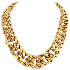 Verdura 18 Karat Yellow Gold Double Crescent Chain Link Necklace