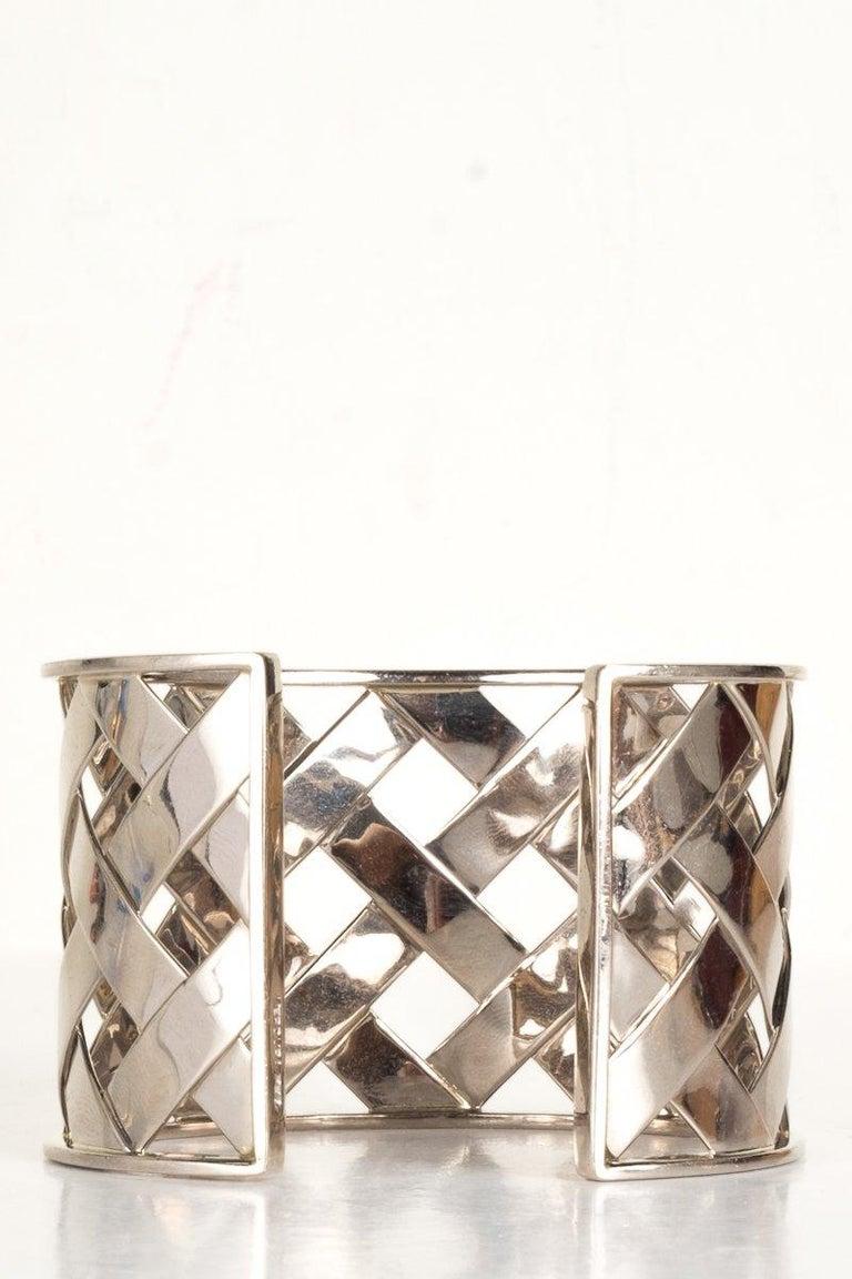 Contemporary Verdura 18K White Gold Criss Cross Cuff For Sale
