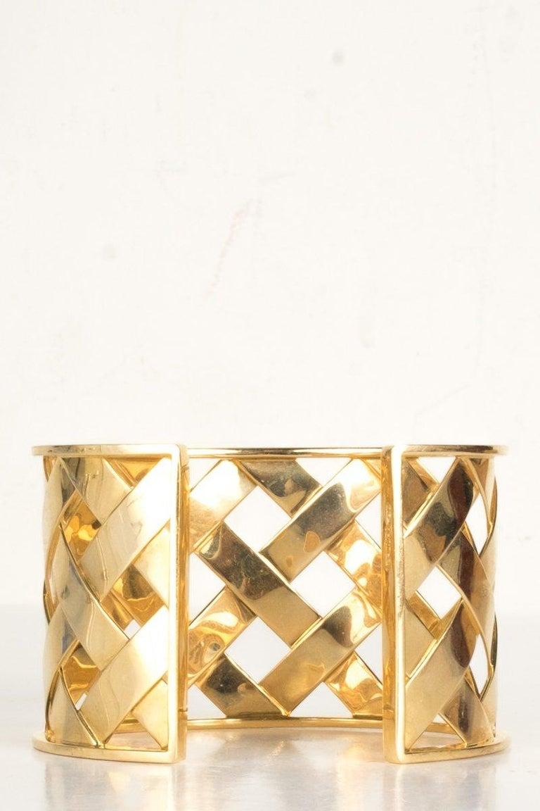 Women's Verdura 18K Yellow Gold Criss Cross Cuff For Sale