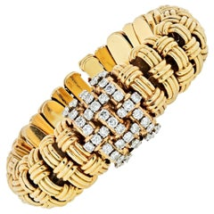 Verdura 1950s 14 Karat Yellow Gold Link 4.50 Carat Diamond Watch and Bracelet