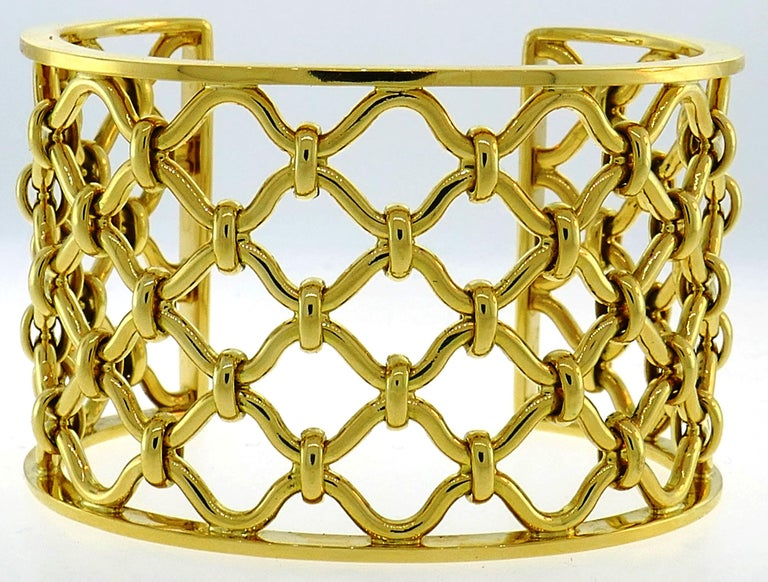 Verdura Kensington Yellow Gold Cuff Bracelet For Sale 2