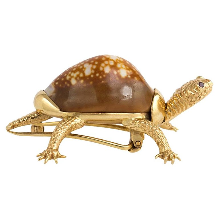 Verdura Midcentury Gold and Shell Turtle Clip Brooch For Sale