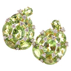 Verdura Paisley Diamond Peridot Yellow Gold Earclips Earrings