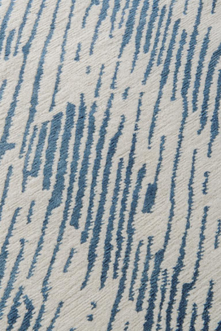 For Sale: undefined (Blue) Verge Rug in Hand Knotted Wool and Silk by Kelly Wearstler 2