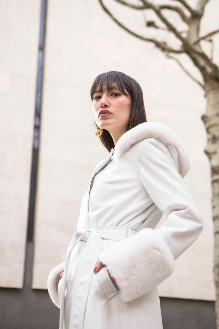 Verheyen Aurora Hooded Leather Trench Coat in White with Faux Fur - Size uk 10 For Sale 1