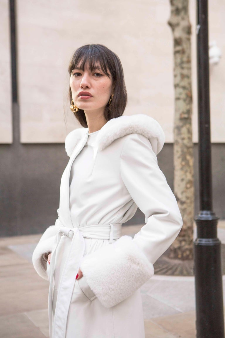 Verheyen Aurora Hooded Leather Trench Coat in White with Faux Fur - Size uk 10 For Sale 2