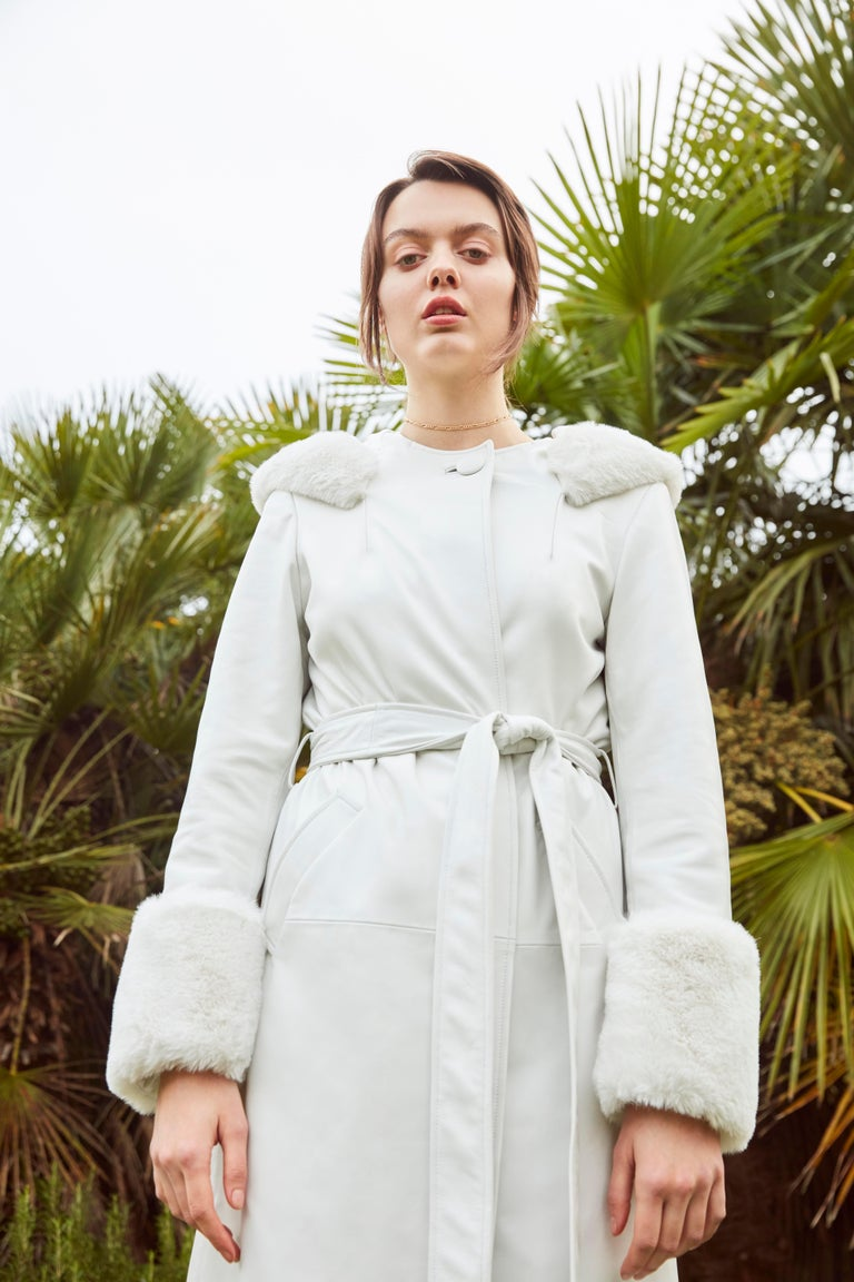 Verheyen Aurora Hooded Leather Trench Coat in White with Faux Fur - Size uk 10 For Sale 4