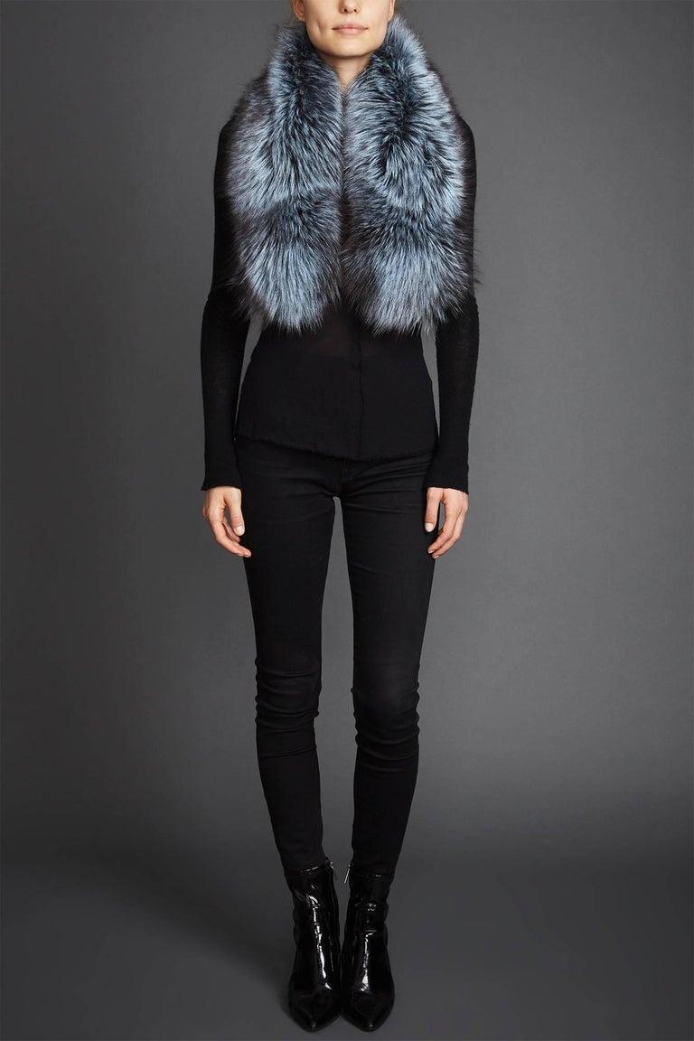 Black Verheyen Lapel Cross-through Collar in Iced Topaz Fox Fur - Brand new  For Sale