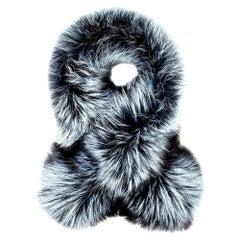 Verheyen Lapel Cross-through Collar in Iced Topaz Fox Fur - Brand new
