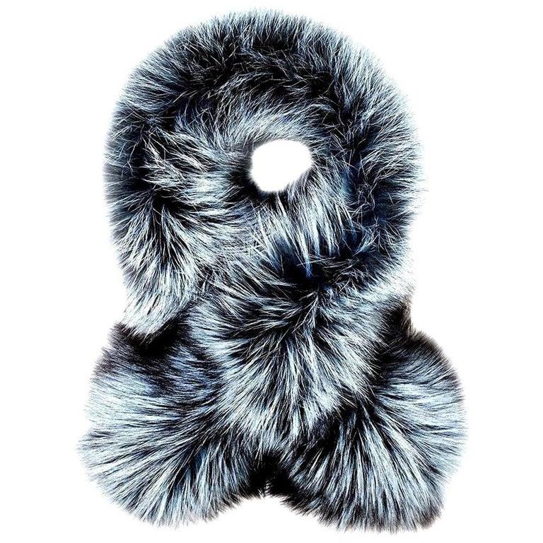 Verheyen Lapel Cross-through Collar in Iced Topaz Fox Fur - Brand new  For Sale