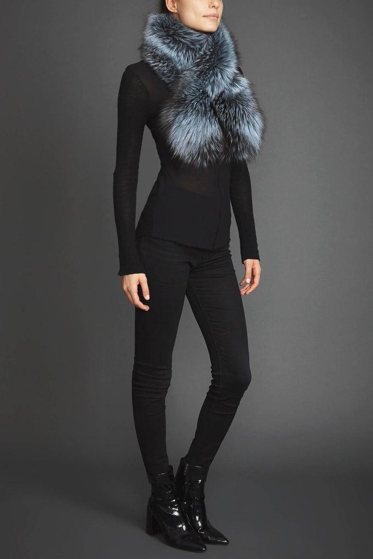 Women's or Men's Verheyen Lapel Cross-through Collar in Iced Topaz Fox Fur - Valentines gift For Sale
