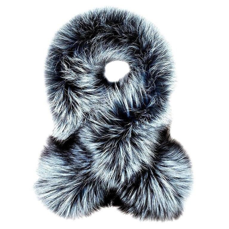 Verheyen Lapel Cross-through Collar in Iced Topaz Fox Fur - Valentines gift For Sale