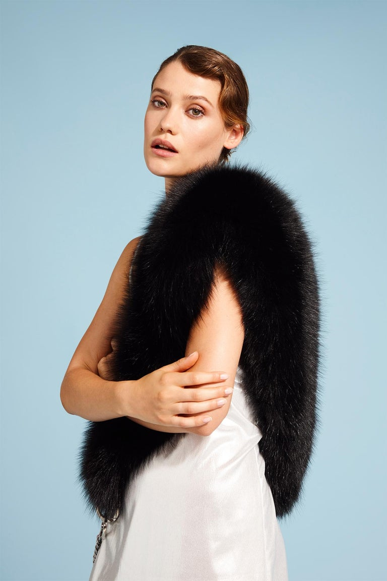 Verheyen London Chained Stole in Black Fox Fur & Silk Lining with Chain - New For Sale 13