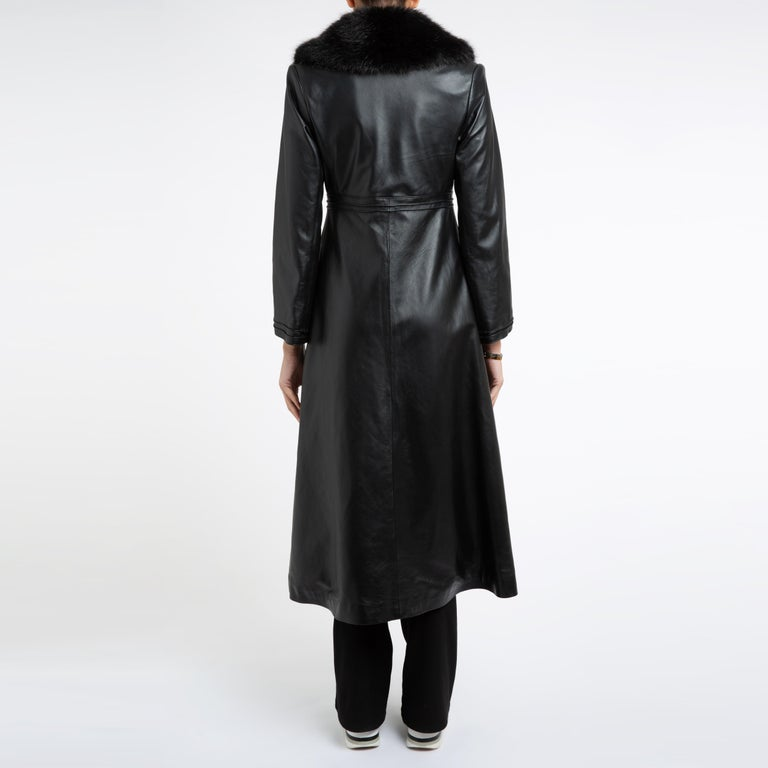 Women's Verheyen London Edward Leather Coat with Faux Fur Collar in Black - Size uk 8 For Sale