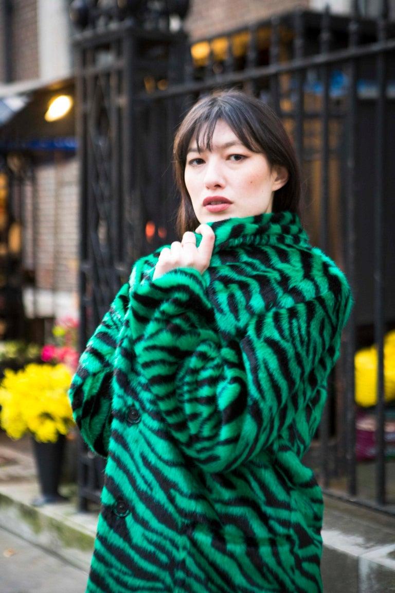 Verheyen London Esmeralda Faux Fur Coat in Emerald Green Zebra Print size uk 10 For Sale 6
