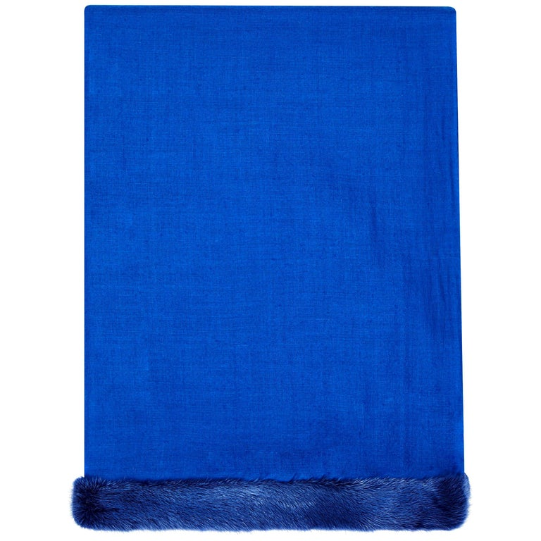 Verheyen London Handwoven Mink Fur Trimmed Cashmere Shawl in Blue - Brand New  For Sale
