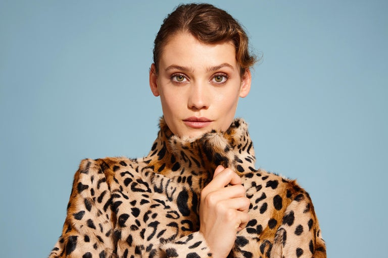 This Leopard print coat is Verheyen London's classic staple for effortless style and glamour.  A coat for dressing up and down with jeans or a dress.  PRODUCT DETAILS  High Collar Leopard Print Coat  Size: UK 14 Colour: Natural  Dyed Printed Goat