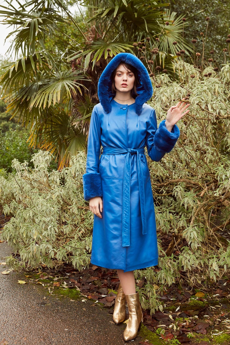 Verheyen London Hooded Leather Trench Coat in Blue with Faux Fur - Size uk 6 In New Condition For Sale In London, GB