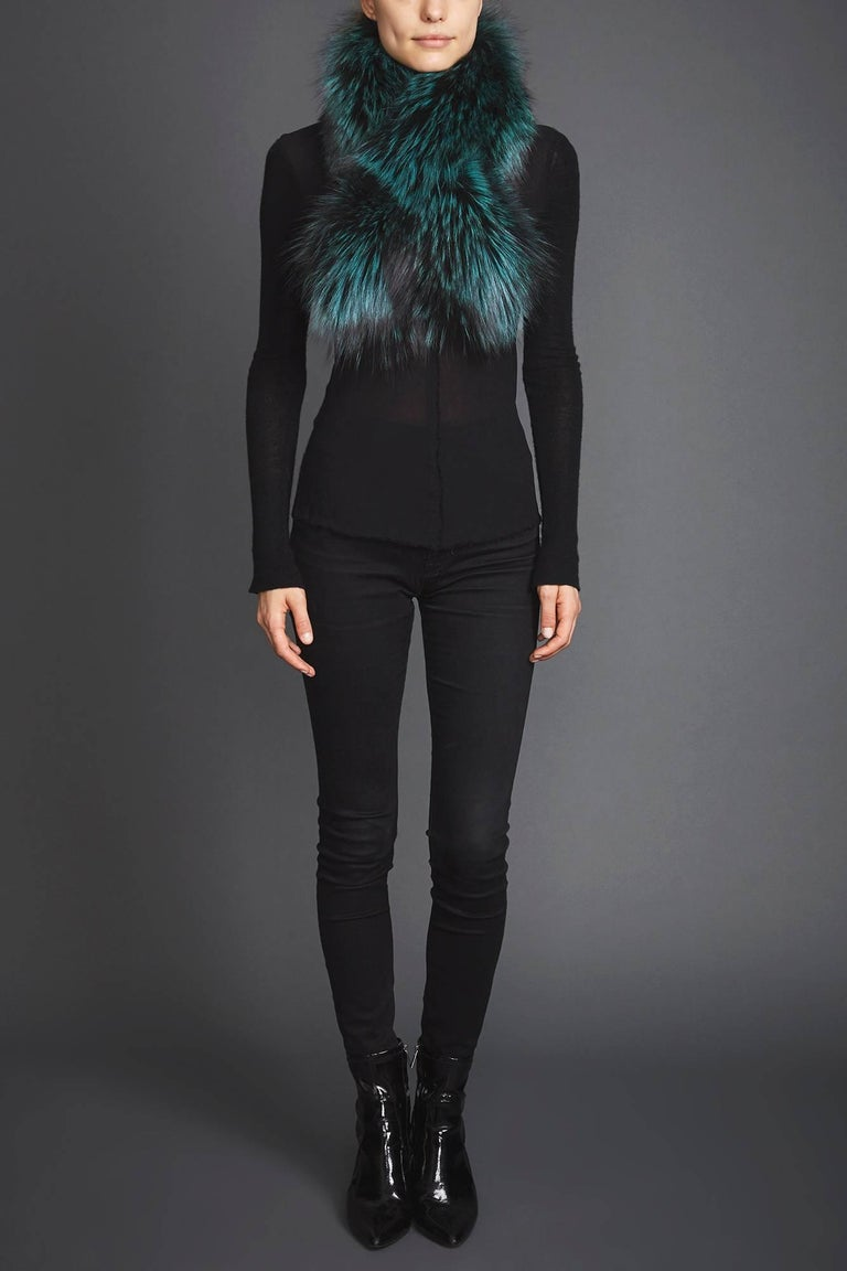 Verheyen London Lapel Cross-Through Collar in Emerald Green Fox Fur - Brand New   The Lapel Cross-through Collar is Verheyen London's casual everyday design, which is perfectly shaped to wear over any outfit. Designed for layering, this structured