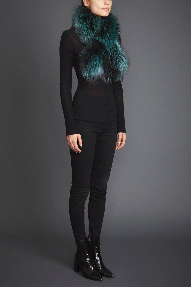 Verheyen London Lapel Cross-Through Collar in Emerald Green Fox Fur - Brand New  In New Condition In London, GB