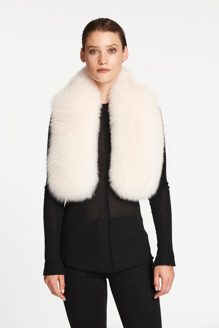 Women's or Men's Verheyen London Lapel Cross-through Collar in Pearl White Fox Fur  For Sale