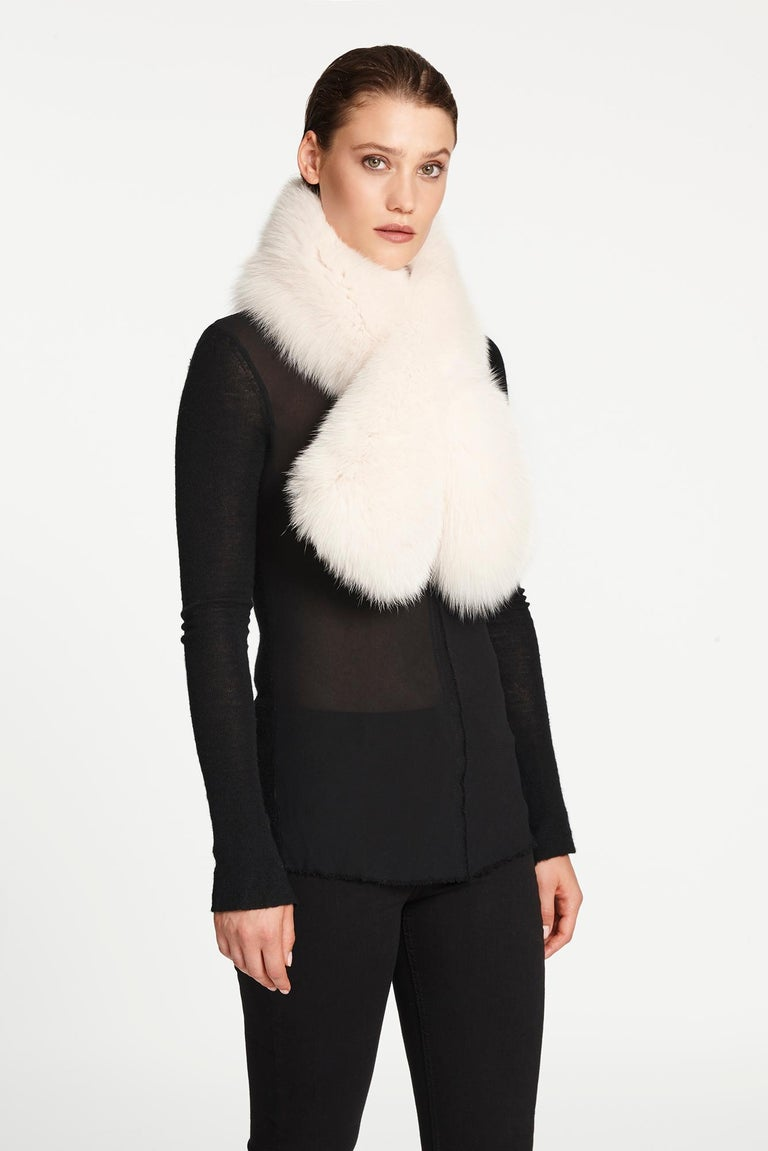 Verheyen London Lapel Cross-through Collar in Pearl White Fox Fur  1