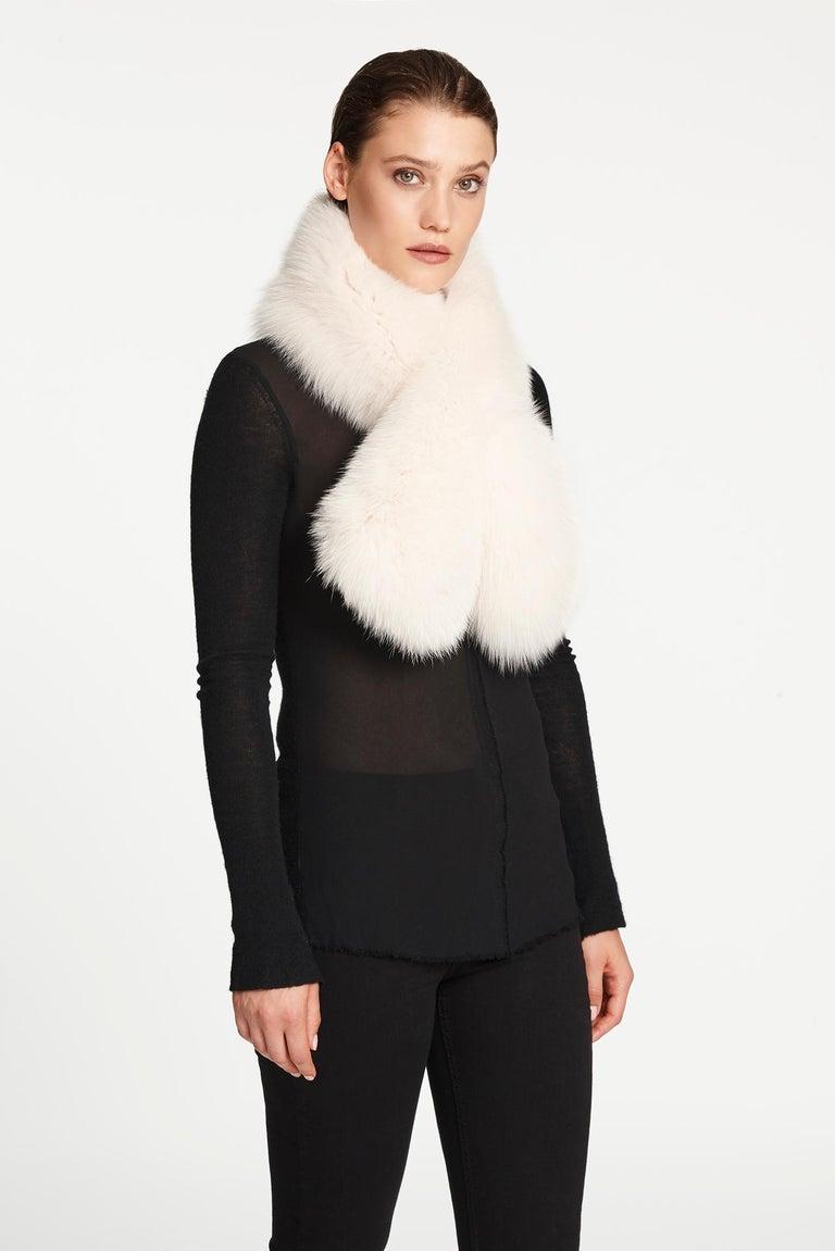 Verheyen London Lapel Cross-through Collar in Pearl White Fox Fur  For Sale 1