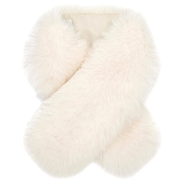 Verheyen London Lapel Cross-through Collar in Pearl White Fox Fur