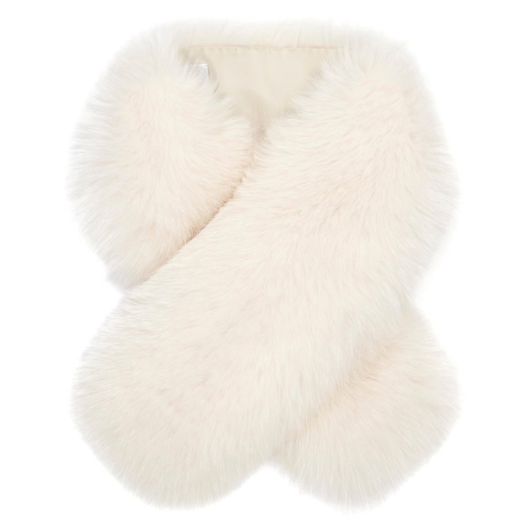Verheyen London Lapel Cross-through Collar in Pearl White Fox Fur For Sale