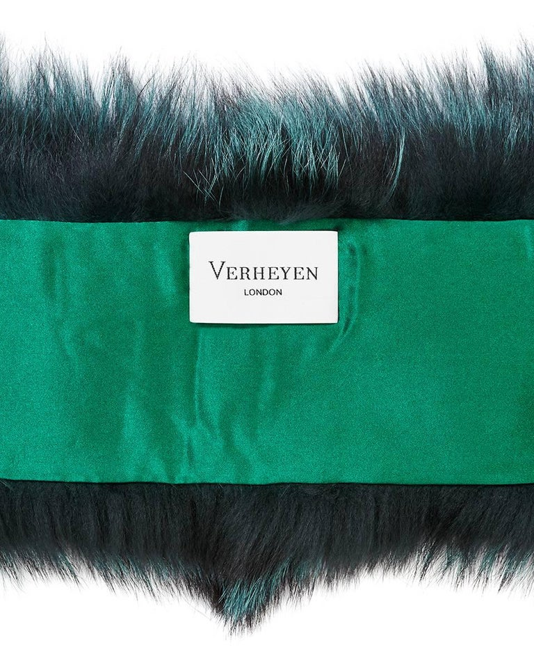 Verheyen London Lapel Cross-Through Collar in Emerald Green Fox Fur - Brand New  For Sale 1