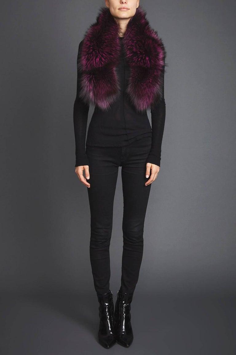 Verheyen London Lapel Cross-through Collar Stole in Purple Fox Fur - Brand New In New Condition In London, GB