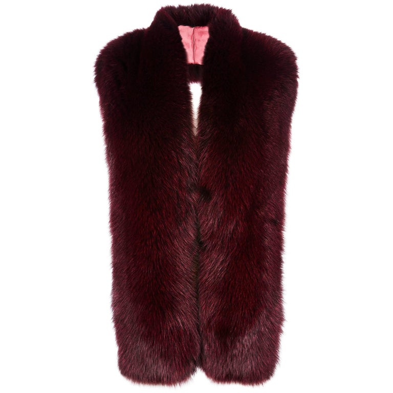 Verheyen London Legacy Stole Collar in Garnet Burgundy Fox Fur - Brand New   The Legacy Stole is Verheyen London's versatile design to be worn from day to night. Crafted in the finest dyed fox fur and lined in coloured silk satin.  A structured