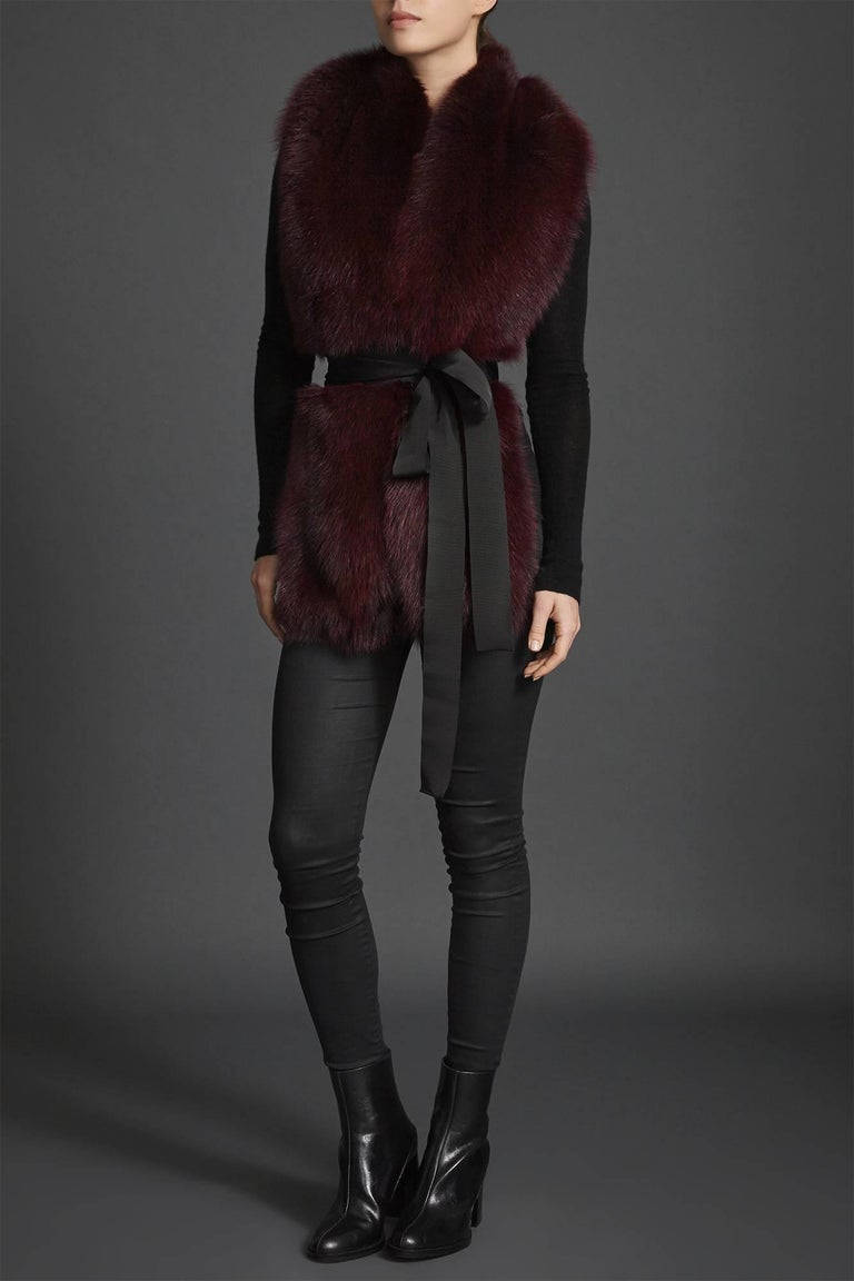 Verheyen London Legacy Stole Collar in Garnet Burgundy Fox Fur - Brand New  In New Condition For Sale In London, GB