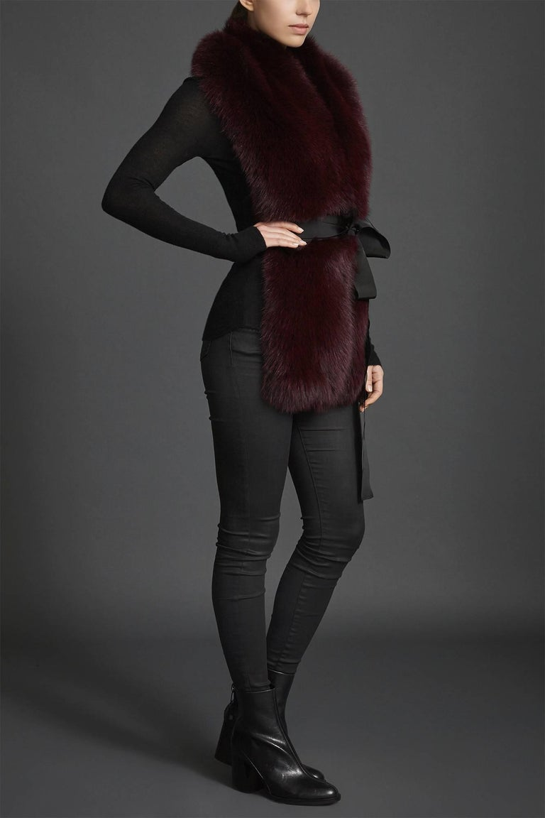 Verheyen London Legacy Stole in Garnet Burgundy Fox Fur - Valentines Gift For Sale 1