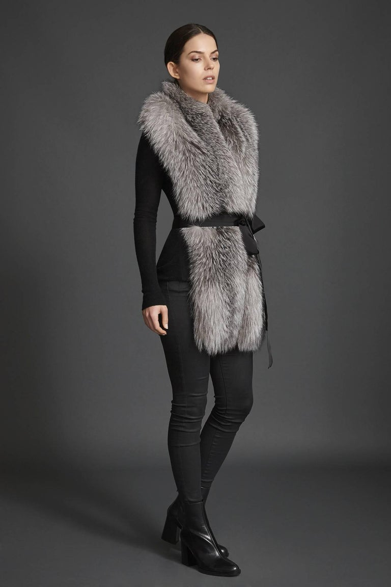 Verheyen London Legacy Stole Natural Blue Frost Fox Fur & Silk Lining  In New Condition For Sale In London, GB