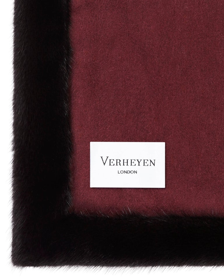 Verheyen London Mink Fur Trimmed Black & Burgundy Cashmere Shawl - Brand New In New Condition For Sale In London, GB