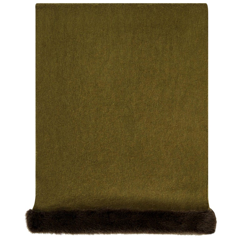 Verheyen London Mink Fur Trimmed Cashmere Shawl Scarf in Olive - Brand New For Sale