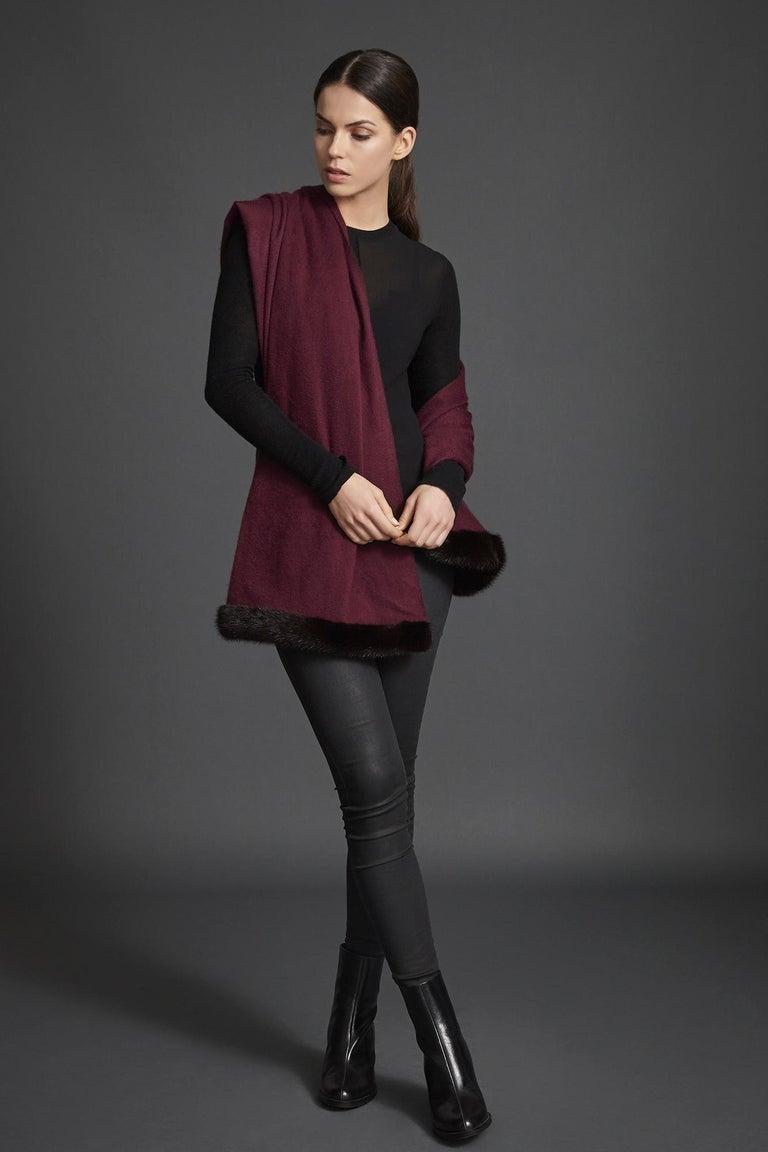 Verheyen London Mink Fur Trimmed Cashmere Shawl Scarf in Rich Burgundy - Brand In New Condition For Sale In London, GB