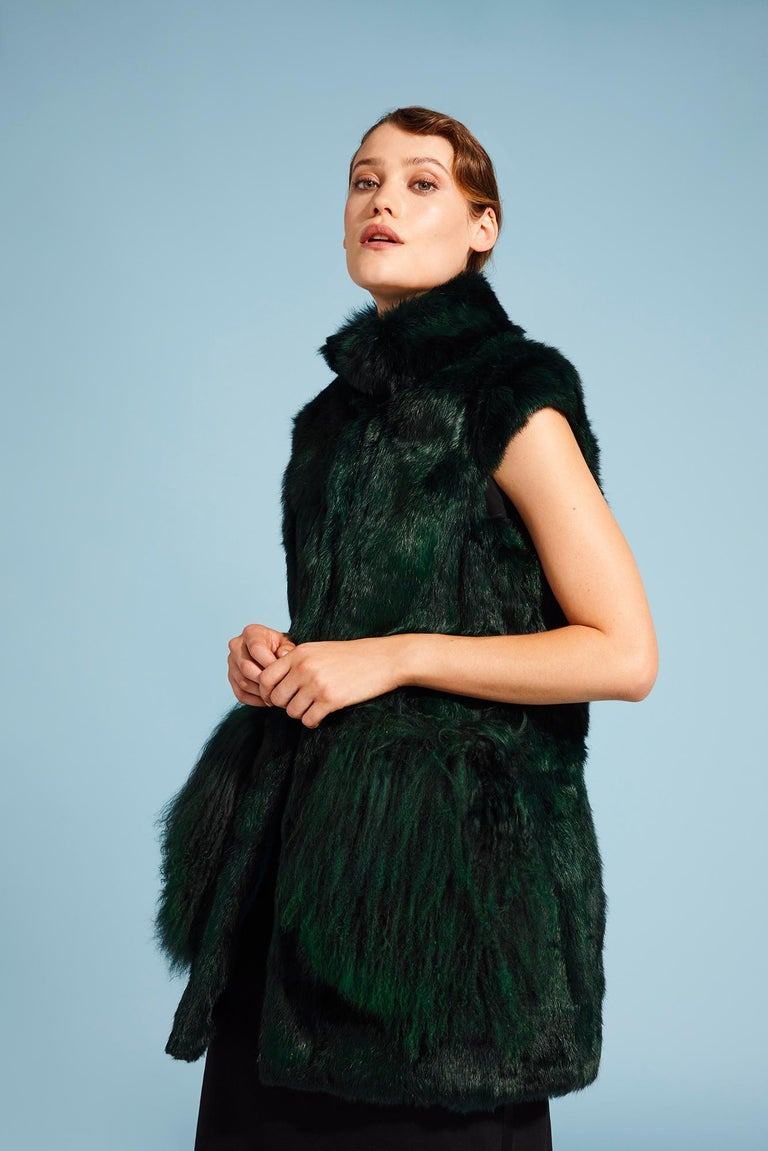 Verheyen London Nehru Gilet in Rabbit Fur & Lamb in Forest Green Size uk 8 - new In New Condition For Sale In London, GB